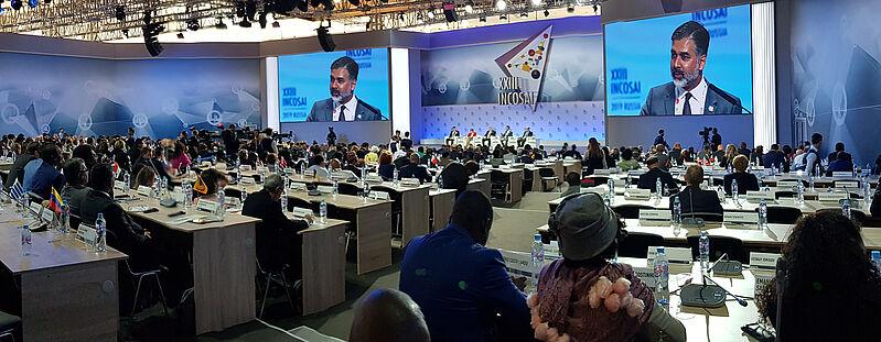 Plenarno zasedanje na kongresu INCOSAI XXIII