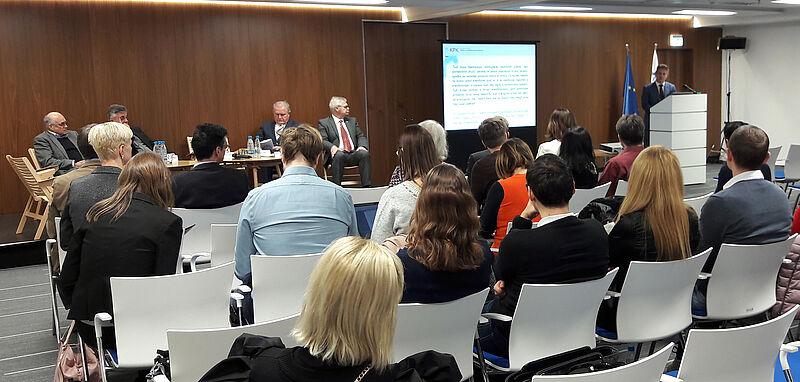 Predsednik računskega sodišča Tomaž Vesel med uvodnim nagovorom