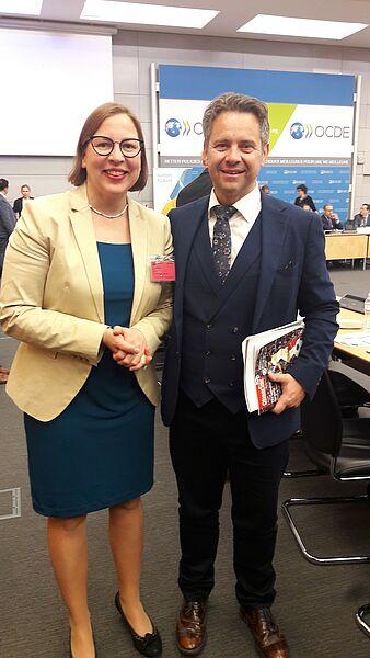 Generalna državna revizorka Finske Tytti Yli-Viikari in predsednik računskega sodišča Tomaž Vesel