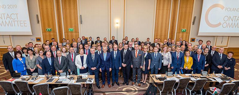 Skupinska fotografija udeležencev Kontaktnega odbora